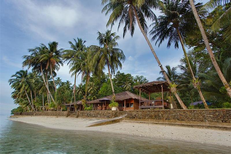 Telo Island Lodge