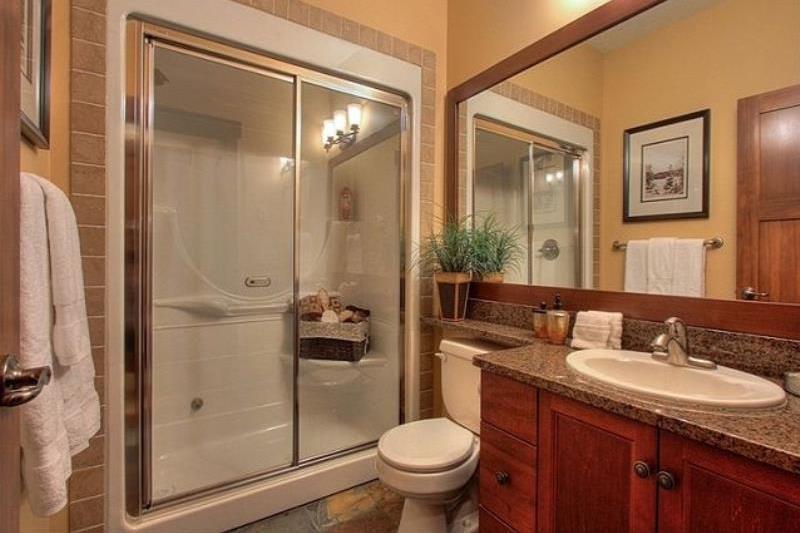 Room 3405 - 2 Bedroom Executive with Hot Tub - Bathroom