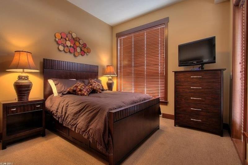 Room 3406 - 3 Bedroom Executive with Hot Tub - Bedroom