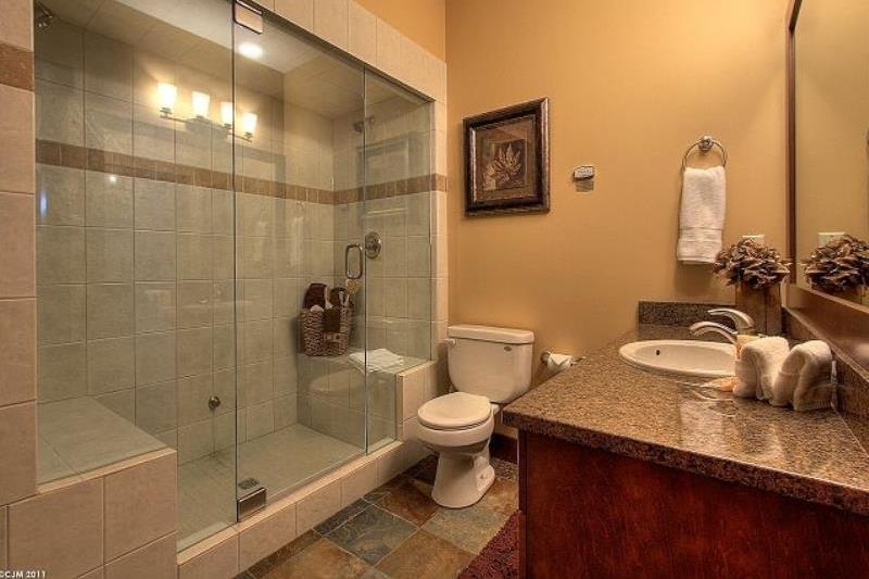 Room 3406 - 3 Bedroom Executive with Hot Tub - Bathroom